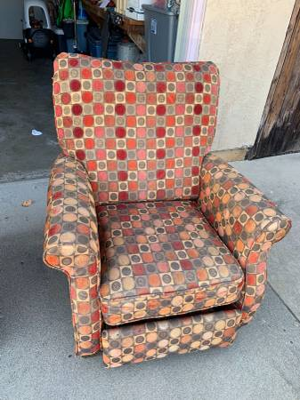 post 749 chair 1