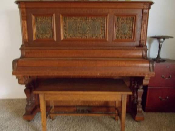post 842 piano 1