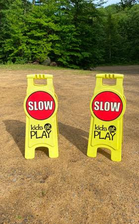 post 862 slow sign